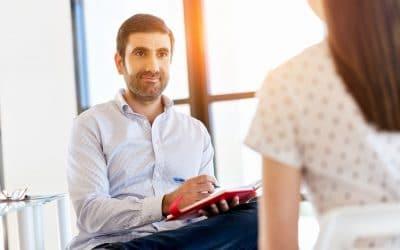 Cooptation : définition simple et exemples dans le recrutement