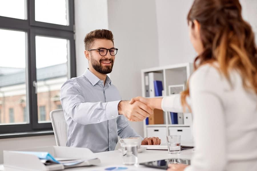 20 des questions incontournables à poser à un candidat lors d'un entretien d'embauche